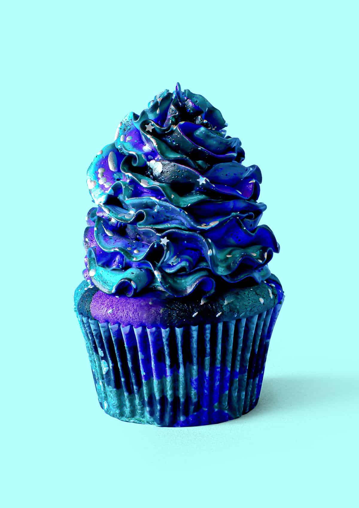 Midnight Galaxy Cupcakes